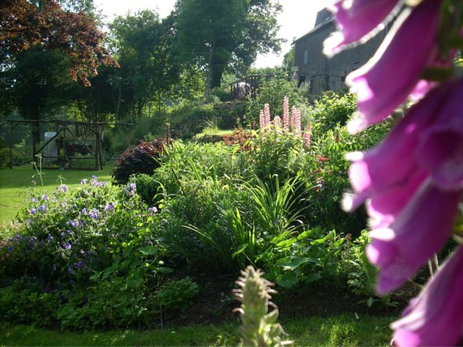Show off your French garden for a good cause