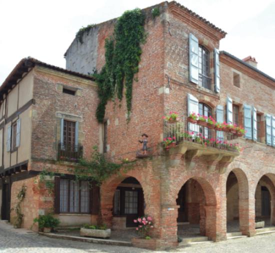Buying Hotspots – Auvillar, Tarn-et-Garonne