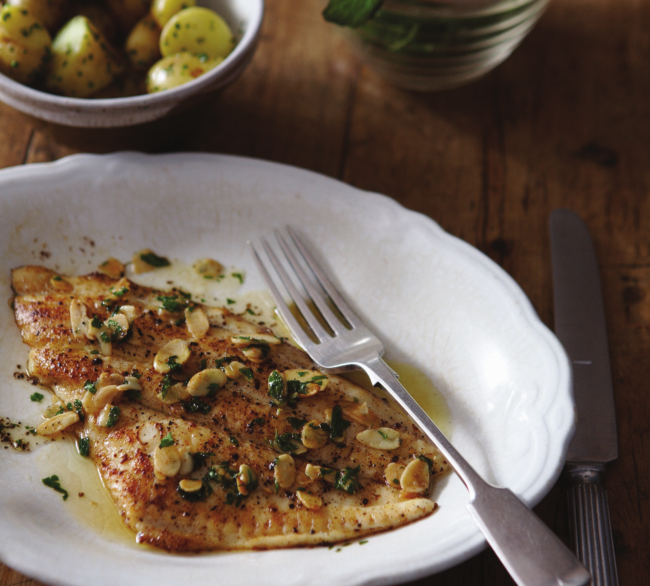 Pan fried fillets of plaice with butter and almonds