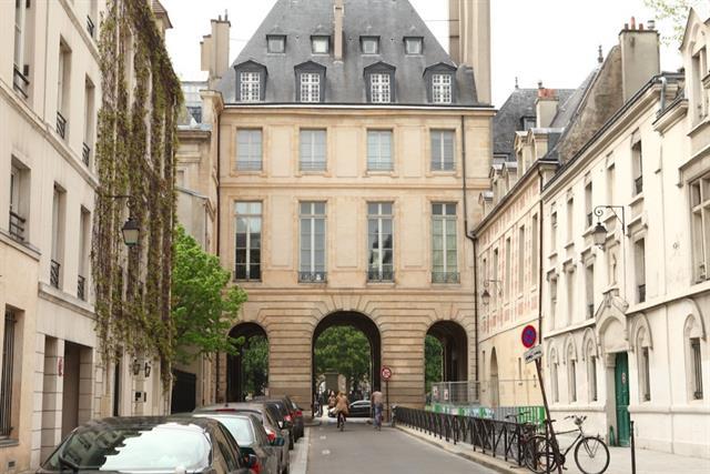 Apartment For Sale Marais Saint Antoine, Paris