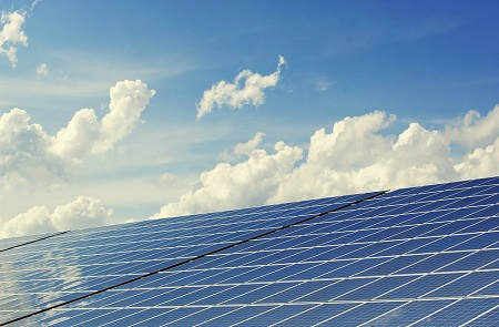 Ask FrenchEntrée: Can I sell solar power from my holiday property to the grid?