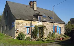 Slate-roofed cottage