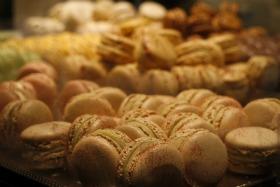 Baroque macarons