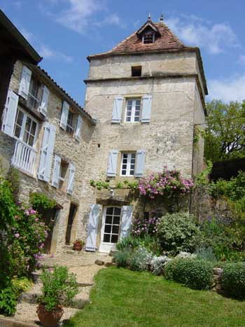 Country house with pool for sale near St Antonin Noble Val