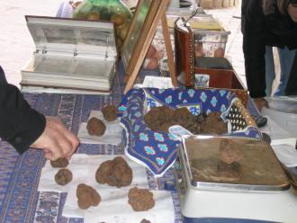market stall, truffle fair Uzès