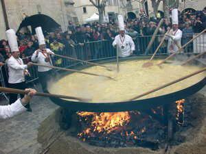 Making a giant truffles omelette in Uzès. Photo by Hugo Snellen