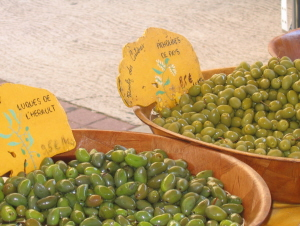 Picholine and lucques olives