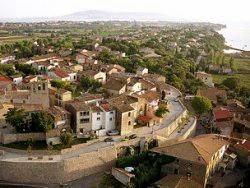the traditional circular village of Balaruc