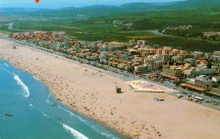 Image of the golden beaches at Narbonne Plage